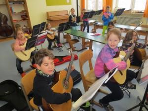 Blockflöten- und Gitarrenklasse 1