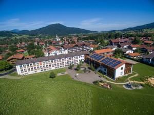 Schulhaus von oben