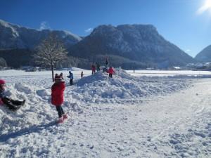 Spielen im Winter - Pausenhof